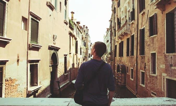 Ayuda psicologica para superar la trizteza con psicologo online