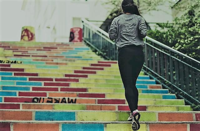 El ejercicio te hace sentir bien. Mejoras metal y físicamente