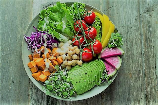 La comida sana te hace sentir bien a largo plazo y controla tu peso